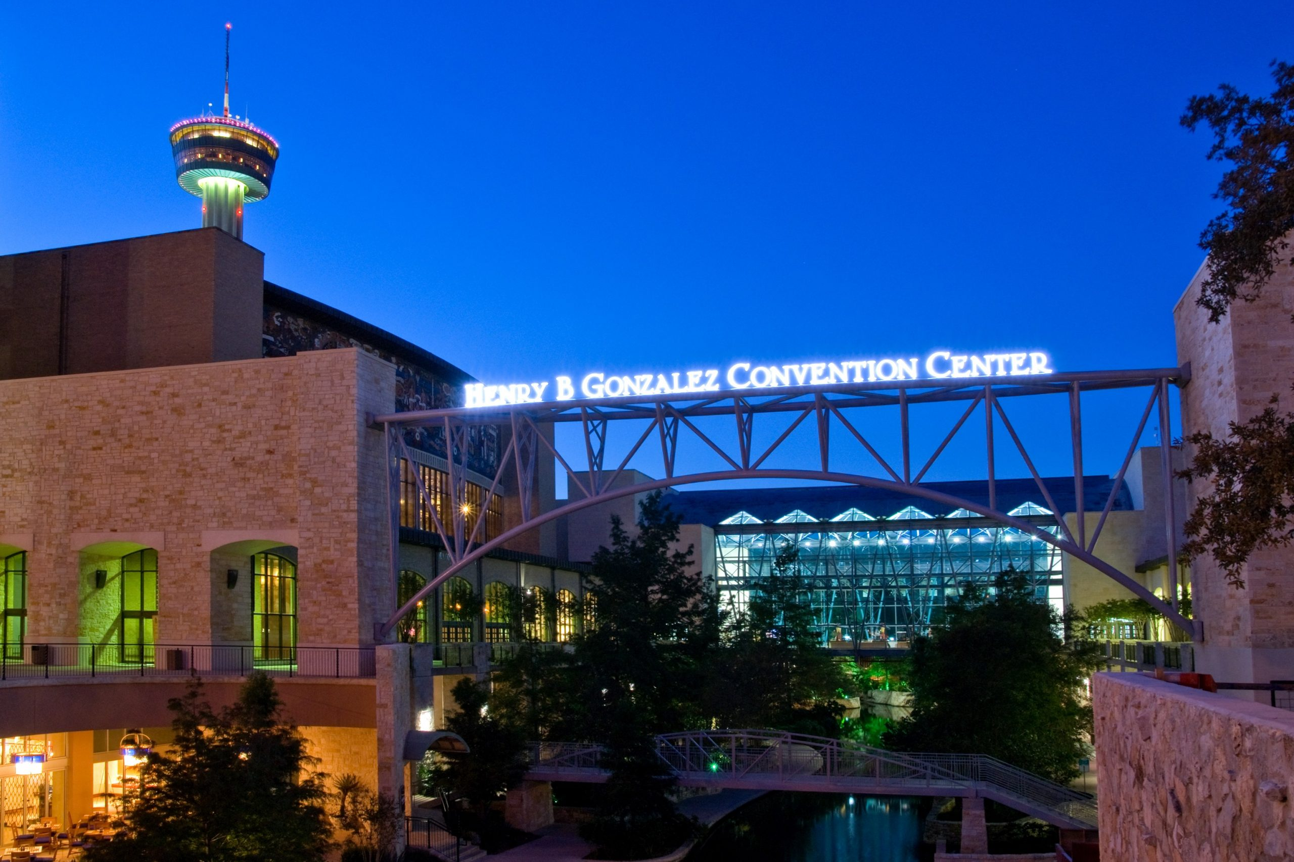 Henry B. Gonzalez Convention Center extends contract with Smart City Networks in San Antonio